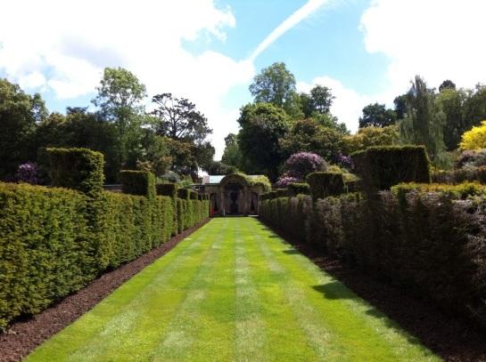 Hever garden